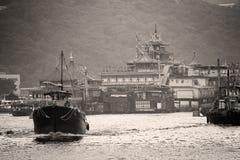 Fartyg i det Aberdeen fiskeläget, Hong Kong Arkivfoton