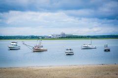 Fartyg i Hampton Harbor, i Hampton Beach, New Hampshire Fotografering för Bildbyråer
