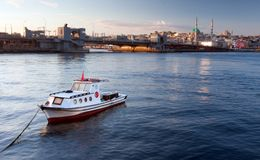 Fartyg i Istanbul Royaltyfri Bild