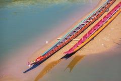 Fartyg i Laos Arkivbild