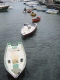 Fartyg i linje Arkivfoto