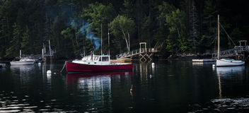 Fartyg i Maine Harbor Arkivbilder