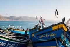 Fartyg i port av Imsouane Marocko 10 januari 2017 Royaltyfri Fotografi