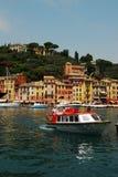 Fartyg i Portofino arkivbild