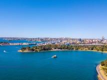 Fartyg i Sydney Harbor Royaltyfria Foton