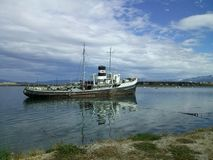 Fartyg i ushuaia Arkivbilder