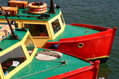 fartyg kopplar samman Arkivfoton