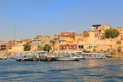 Fartyg längs kusten av Nile River, Egypten Fotografering för Bildbyråer