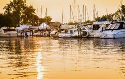 Fartyg Marina Sunset Royaltyfri Bild