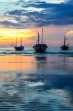 Fartyg med solnedgång Arkivbilder