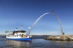 Fartyg och skulptur, Stockholm Royaltyfri Fotografi