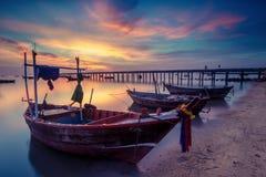 Fartyg och solnedgång Arkivfoto