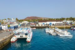 Fartyg och yachter i den Rubicon marina, Lanzarote, kanariefågelöar, Spanien Royaltyfri Foto