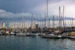 Fartyg p? Dersena Nacional port i Barcelona, Spanien arkivbild