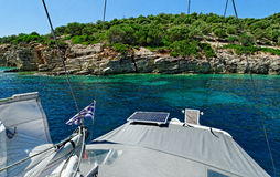 Fartyg på det Ionian havet Fotografering för Bildbyråer
