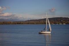 Fartyg på en Lake Royaltyfria Foton