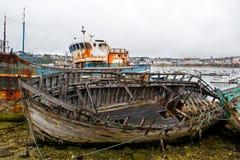 Fartyg på en skrotupplag Royaltyfri Fotografi