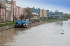 Fartyg på flodbegummarna Arkivfoto