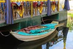 Fartyg på floden arkivfoton