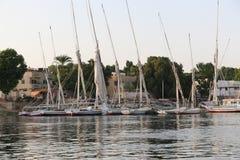 Fartyg på floden - Aswan arkivfoton