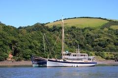 Fartyg på flodpilen royaltyfri bild