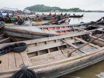 Fartyg på hamnen av Myeik, Myanmar Arkivbild