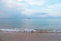 Fartyg på havet Arkivfoto