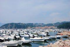 Fartyg på marina av Lerici Royaltyfri Foto