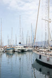 Fartyg på marinaen arkivbild