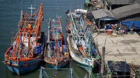 Fartyg på pir royaltyfria foton