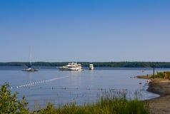 Fartyg på provinsiella Killbear parkerar i Ontario Royaltyfria Foton