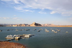 Fartyg på sjön Powell i Arizona Royaltyfria Bilder