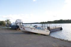 Fartyg på sjön, skepp, soluppgång, solnedgång royaltyfria bilder