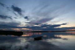 Fartyg på solnedgången Royaltyfria Bilder