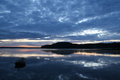 Fartyg på solnedgången Arkivbild