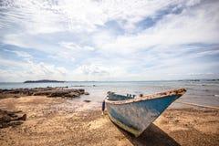 Fartyg på stranden Arkivfoto