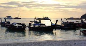 Fartyg på stranden Arkivbild
