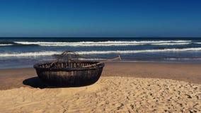 Fartyg på stranden Royaltyfria Bilder