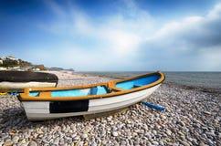 Fartyg på strand på Budleigh Salterton Royaltyfria Foton