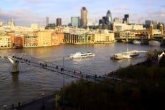 Fartyg på Themsen, London Royaltyfri Foto