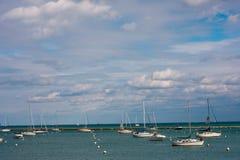 Fartyg på vatten i chicago Arkivbilder
