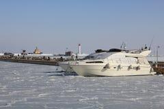 Fartyg på vinterparkering Arkivbilder