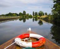 Fartyg på en kanal Royaltyfria Bilder