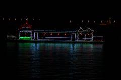 Fartyg på floden på natten Fotografering för Bildbyråer