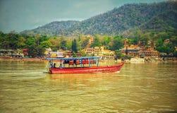 fartyg Rishikesh Ramjhula arkivfoto