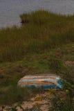 Fartyg som ankras i en pittoresk Cape Cod vattenväg Royaltyfri Foto