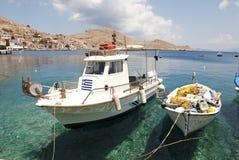 fartyg som fiskar greece Royaltyfria Foton