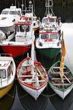fartyg som fiskar iceland Arkivbilder