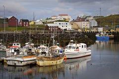 fartyg som fiskar iceland royaltyfri bild