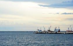 fartyg som fiskar port Fotografering för Bildbyråer